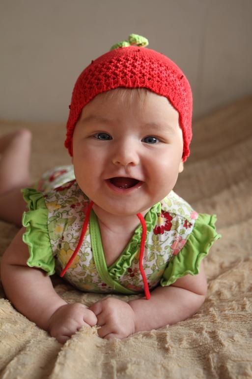 Булочке  5  месяцев))))