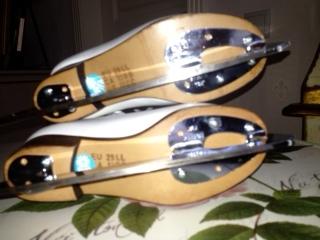 Продаю фигурные коньки WIFA, лезвия WILSON р.29, 6000 руб.