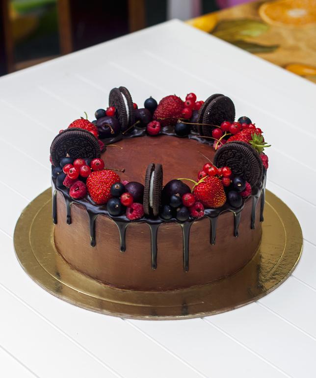 Украшение торта фруктами и ягодами в домашних  810
