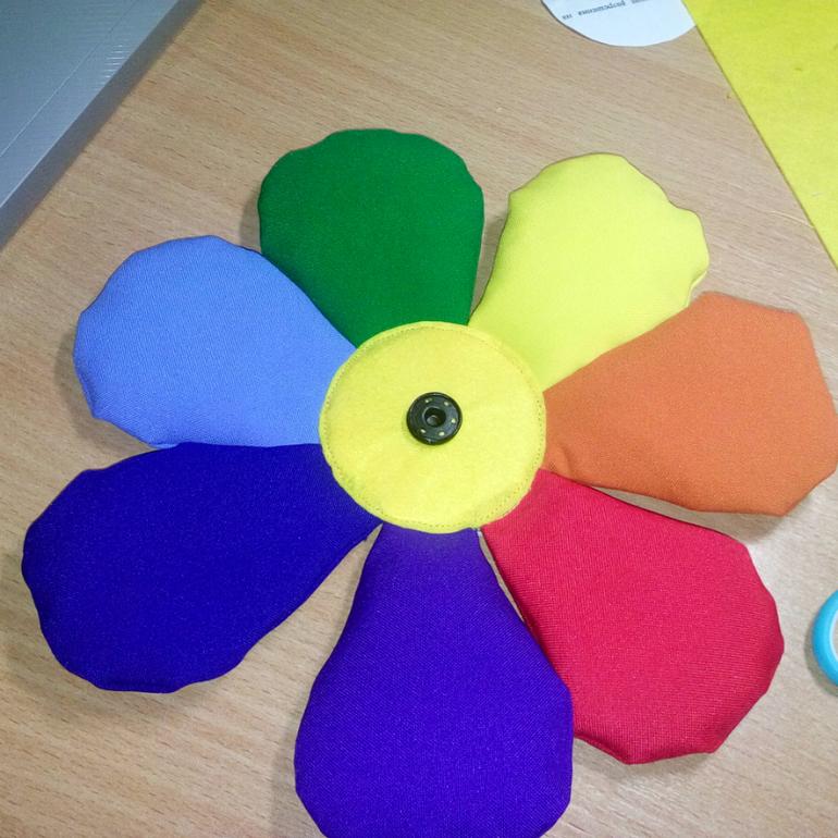 Как сделать лепестки семицветика 560