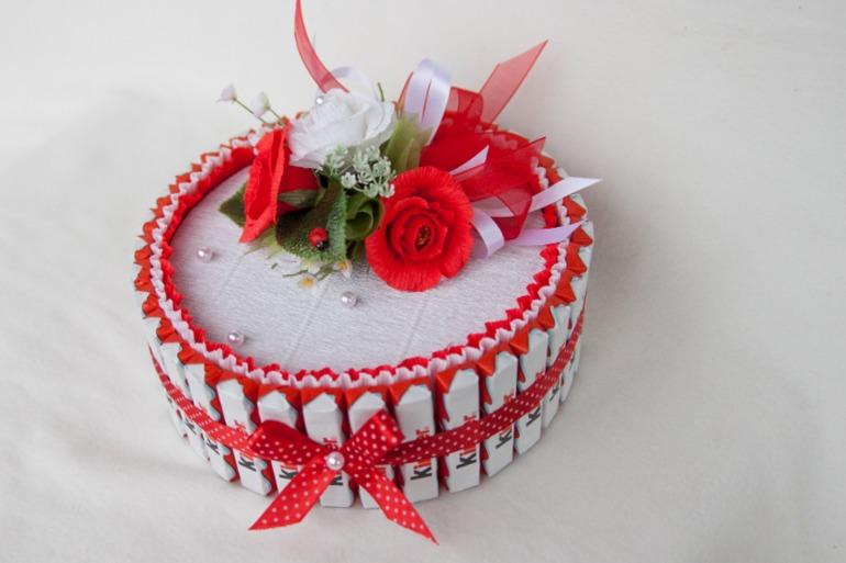 Тортик-шкатулка  Киндер))
