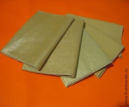 Кожаная обложка на паспорт для декора
