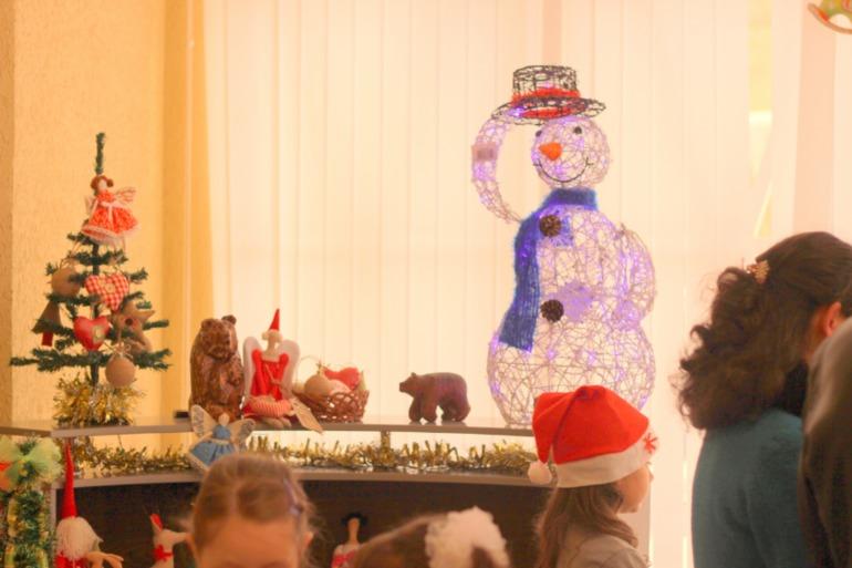 Фото отчет с новогодней ярмарки авторских подарков в Майкопе