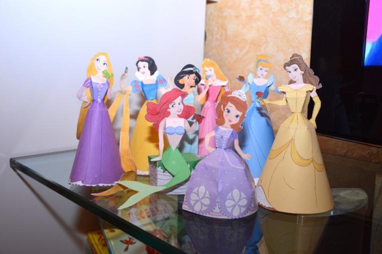 Как сделать из бумаги принцессу своими руками