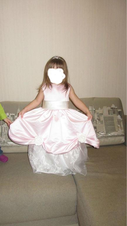 Нарядное платье!!!  р-р 3-4г.
