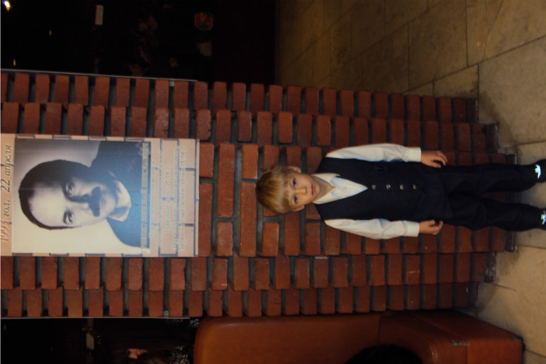 Большая благодарность Людмиле за билеты на елку в театр!