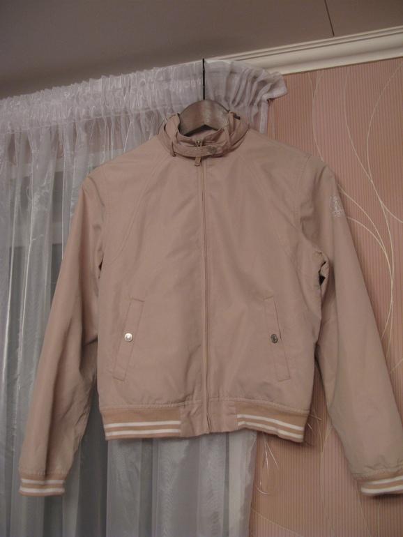 Куртка Vertbaudet из Германии, Куртка Guess, ветровка Benetton ! В хорошем состоянии!