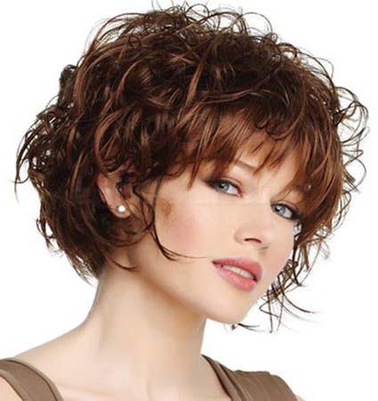 Женские короткие стрижки на волнистые волосы