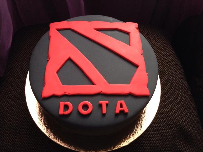 Свадебный торт фото компьютерный игроман
