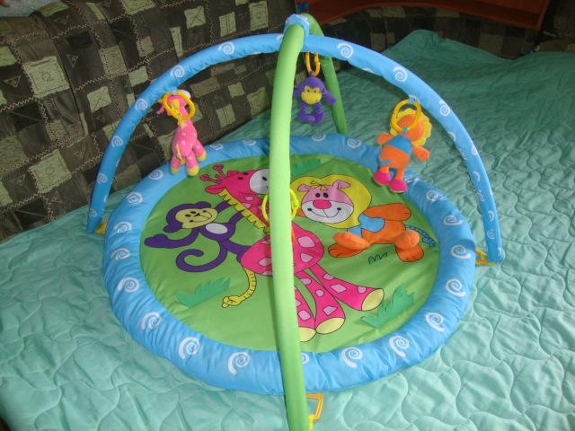 Новый развивающий коврик Toddler Basics для карапузиков.Цена 1700.