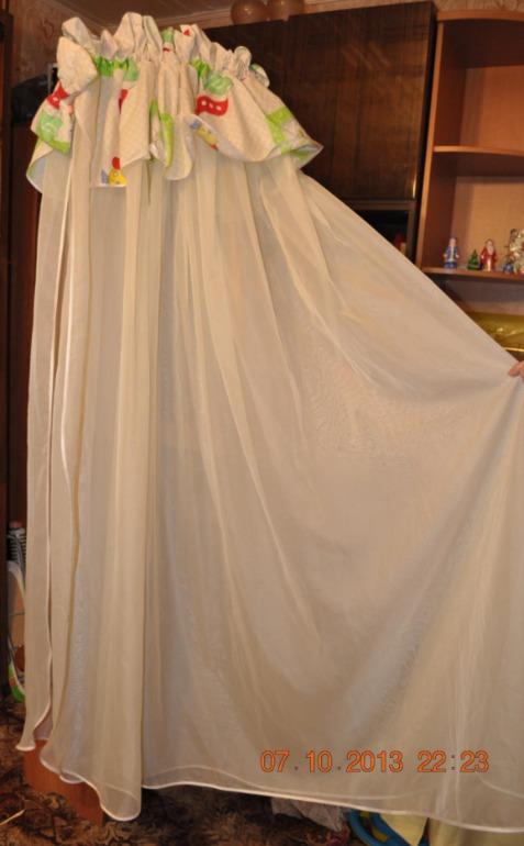 Бортики в кроватку с балдахином - 2 комплекта. Москва.