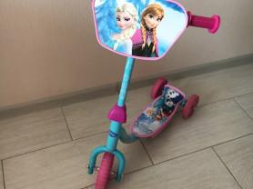 Трехколёсный самокат Disney Холодное сердце