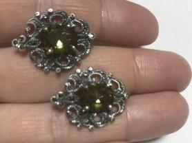 новые серебрянные серьги с султанитом.