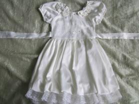 продам платье на девочку 1.5-2 года