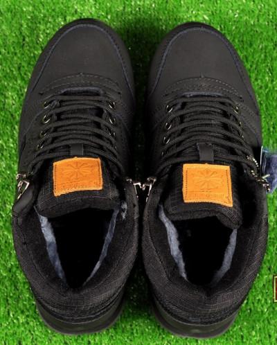 Зимние высокие кроссовки