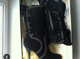 Сапоги новые женские Vicini Италия размер 39 чёрные замша на платформе и шнуровка сзади корсетная каблук шпилька 11 см обувь бренд