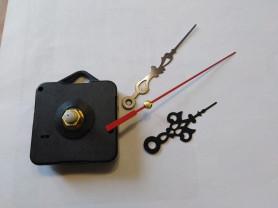 Часовой механизм с резными стрелками