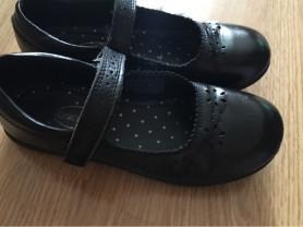 Кожаные туфли р. 33