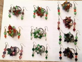 Комплекты - перстни, кольца и серьги из полудрагоценных камней.