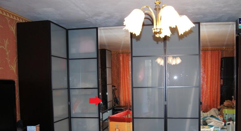 Проблема с зеркальной дверью в шкафах ПАКС