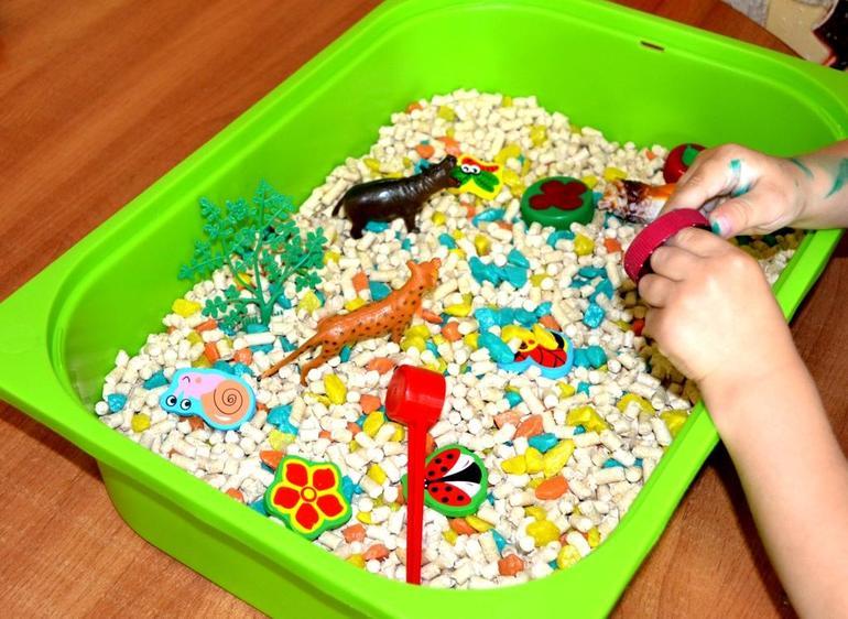 Сенсорная коробка для ребенка своими руками 394