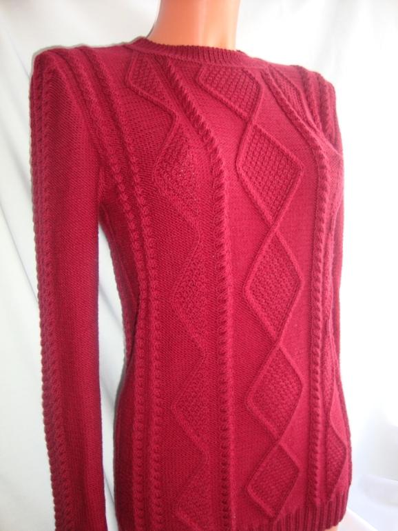 Вишнёвый свитер