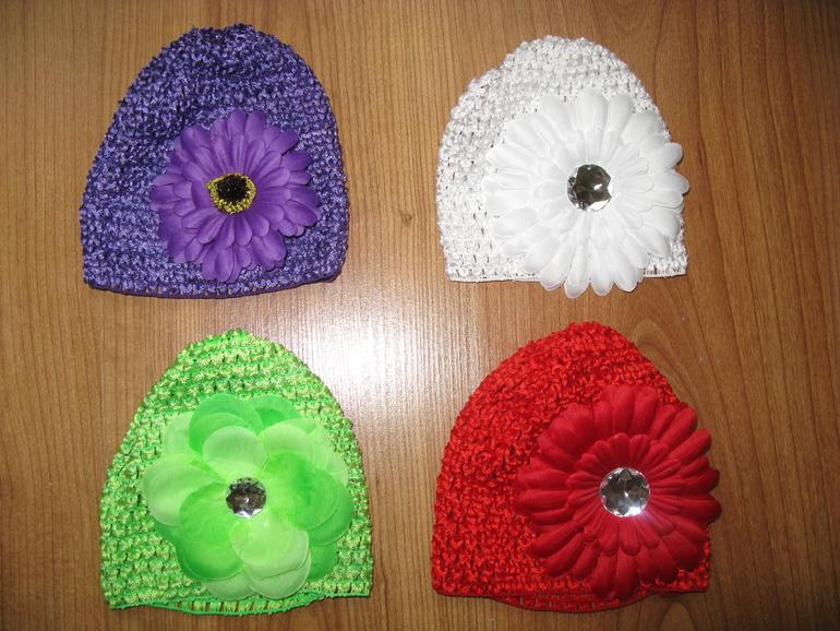 Продам новые  шапочки на лето по 100 рублей