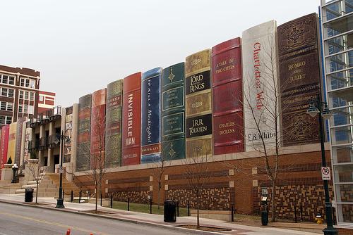 А вы знаете, что сегодня День книг?