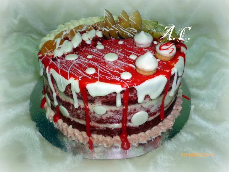 как украсить торт красный бархат фото