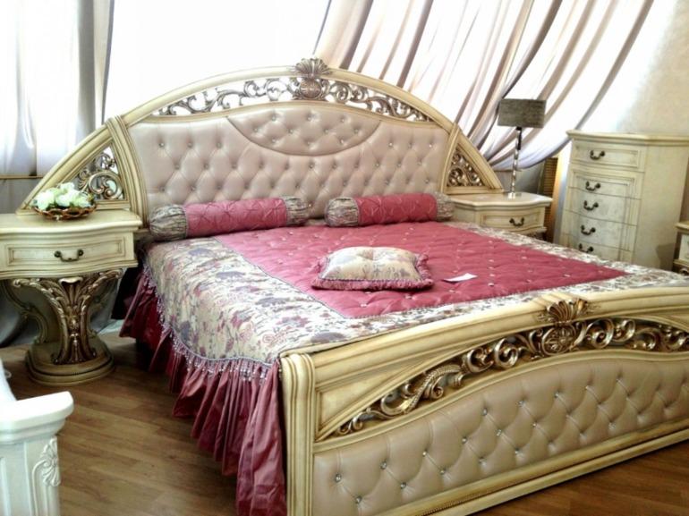 По  ссылке  интернет-бутик  элитной  белой  мебели  с  грандиозной  распродажей!