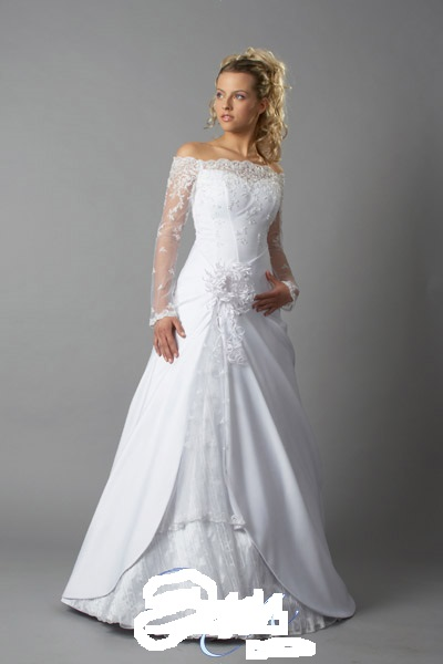Продаю свадебное платье б/у за 15000руб. с длинным рукавом