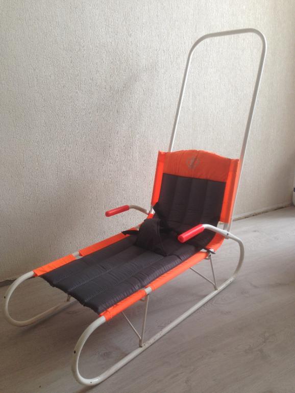 продам складные санки и коврик -пазл (недорого)