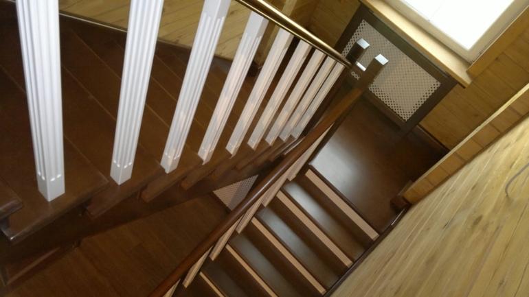 Покраска деревянной лестницы как правильно сделать