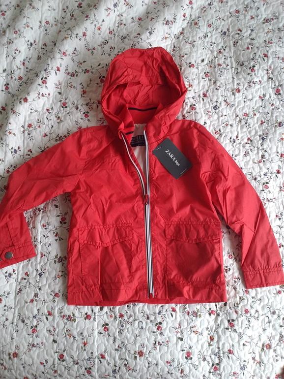 Куртка Zara. размер 4-5 лет, 110 см. 550 руб
