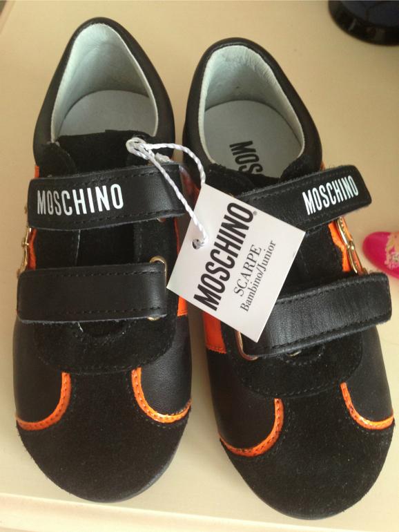 moschino,размер  26,на  узкую  ножку,4000