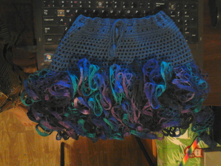 Вяжу  юбку  нужны  советы