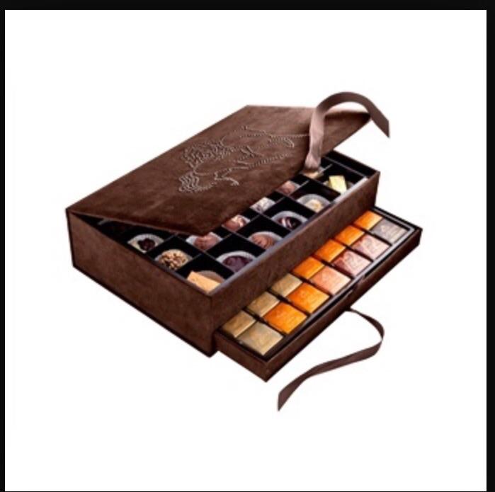 Коробка шоколадных конфет в подарок