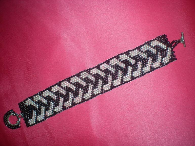 Плетенные кожаные браслеты