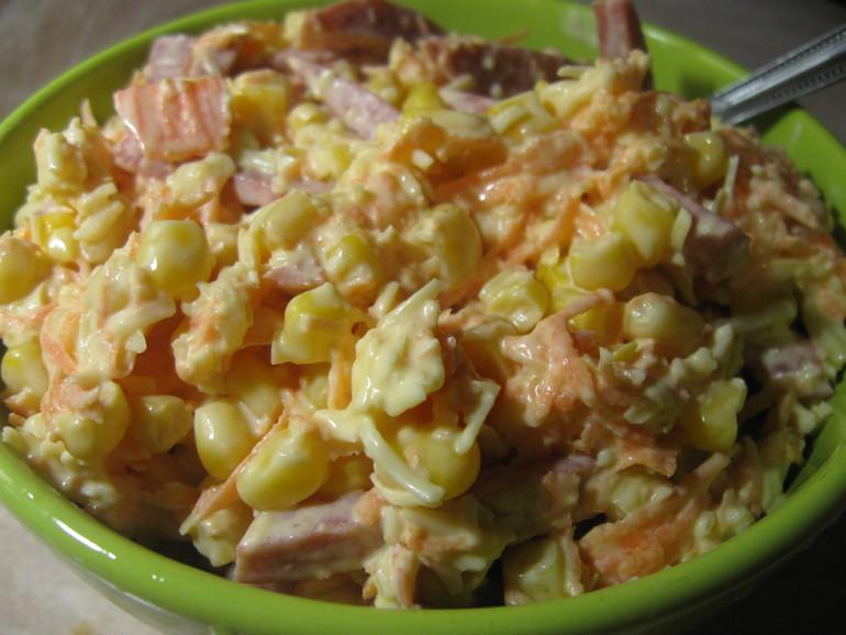 Салат из фасоли консервированной с луком