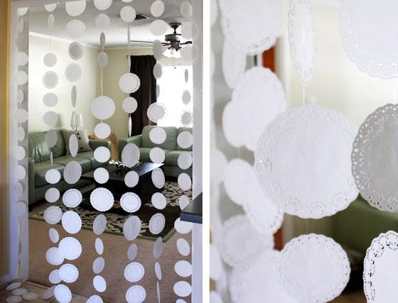 Чем украсить комнату на свадьбу своими руками