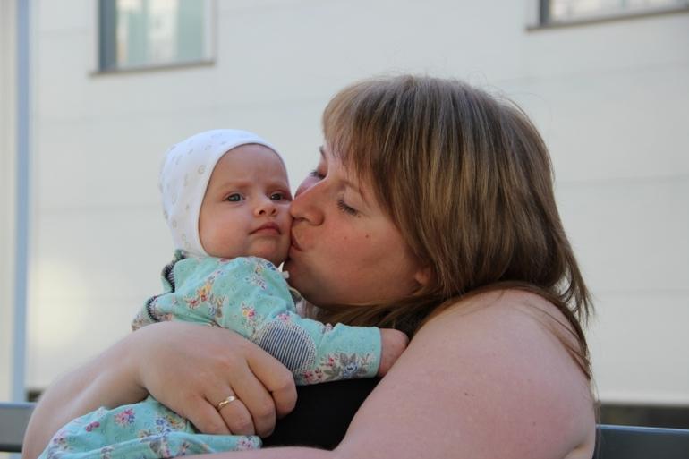 4 месяца моей сладкой дочке*******