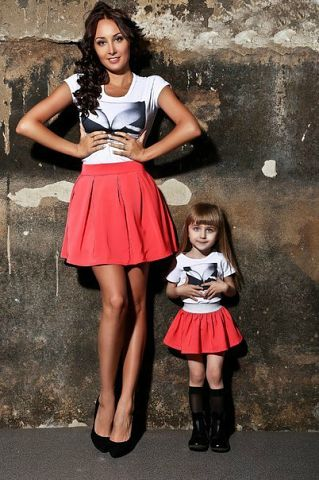 мамы и дочки в одинаковой одежде фото