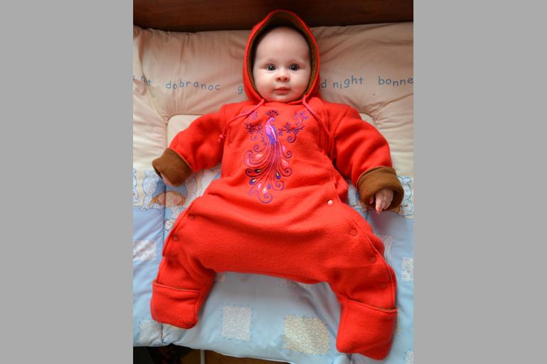Во что одевать ребенка в стременах павлика