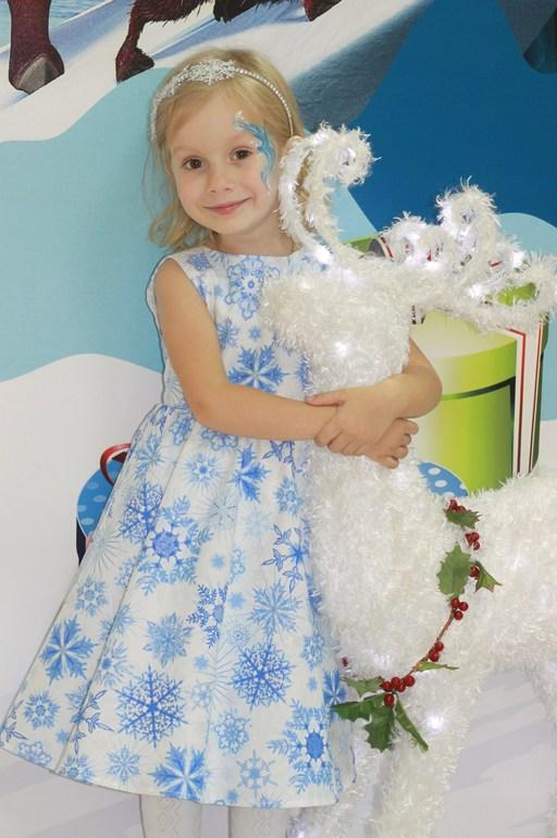 Как украсить платье если ты снежинка