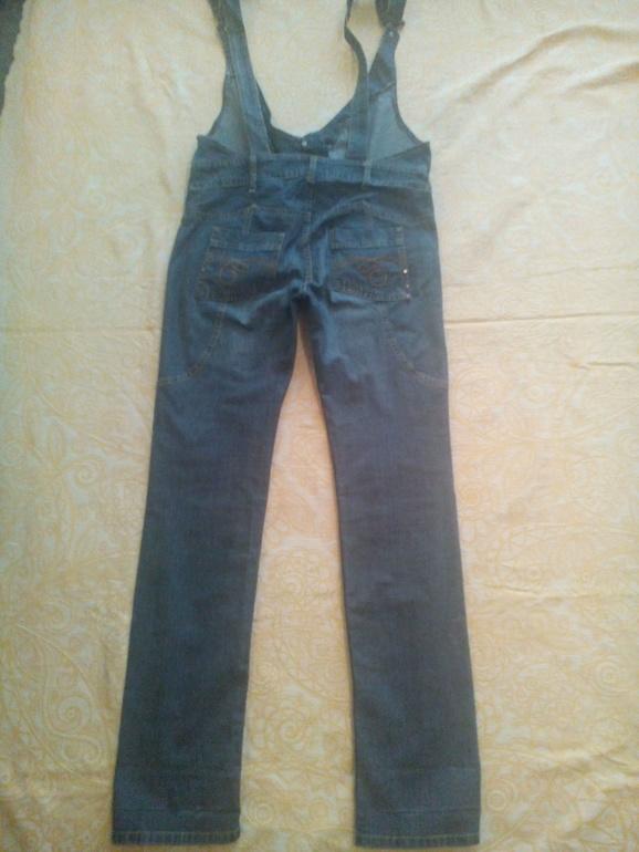 Стильный джинсовый комбинезон для будущей мамочки, 800р.
