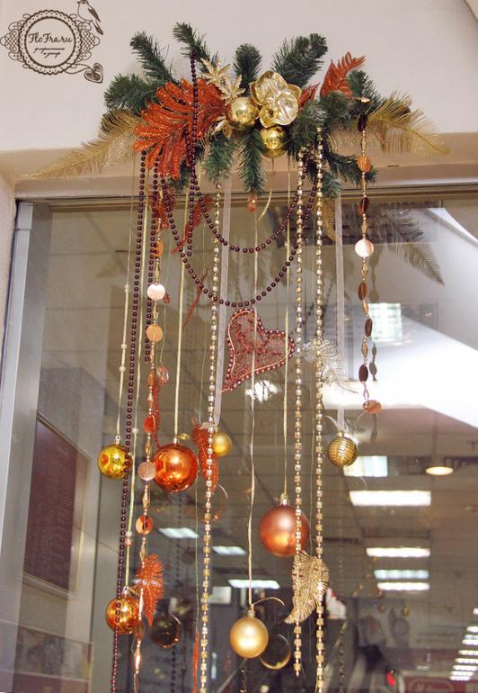 Декор зала к новому году своими руками