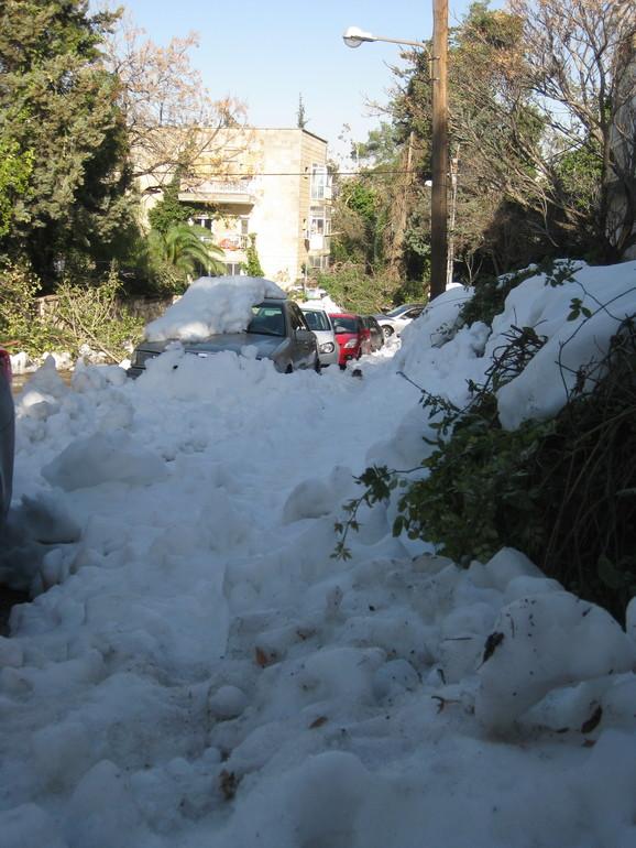 Снежная  буря  в  Иерусалиме  12-14/12/2013
