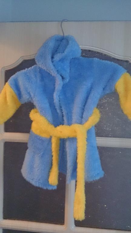 Махровый халатик, одели один раз