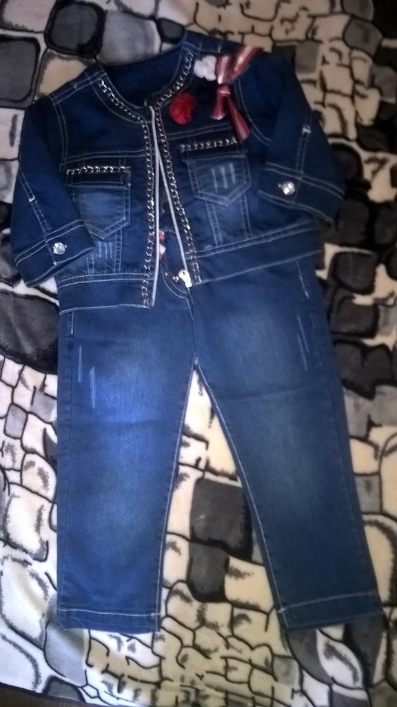 Красивый и модный джинсовый комплект р.98