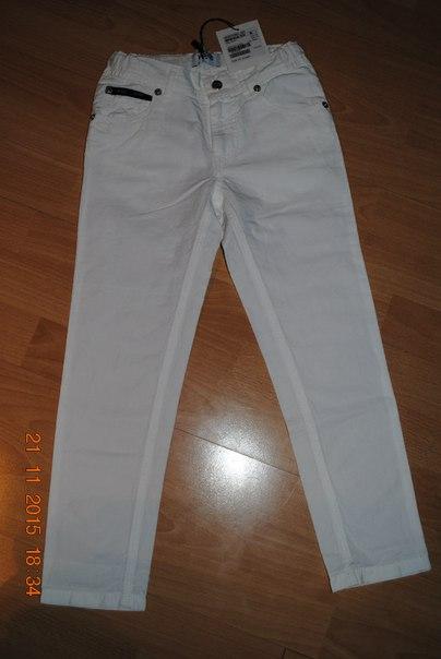 Новые летние брюки Moschino ( оригинал) 6-7 лет